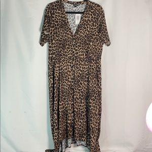 🆕Torrid Size 2(18/20)Button Front Sharkbite Dress